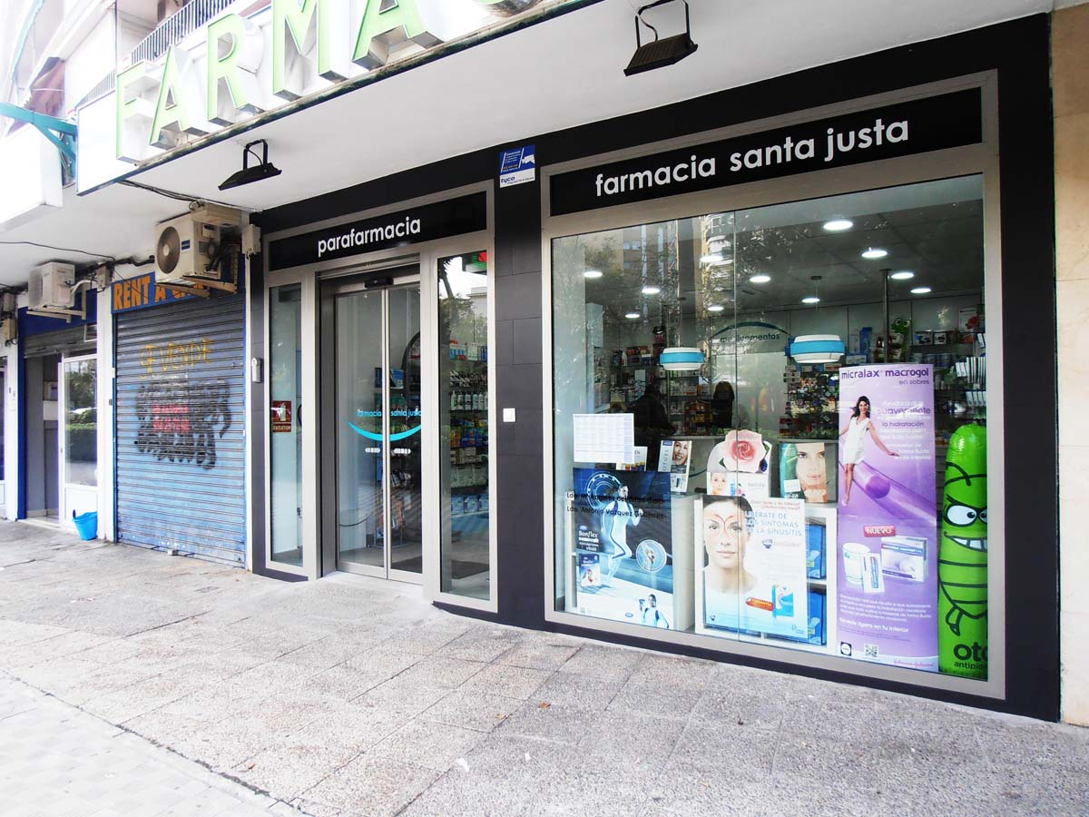 reforma escaparate farmacia